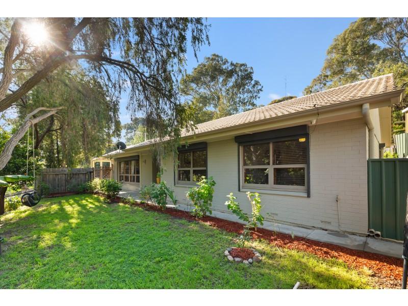 54 Glenwood Drive, Bellevue Heights SA 5050