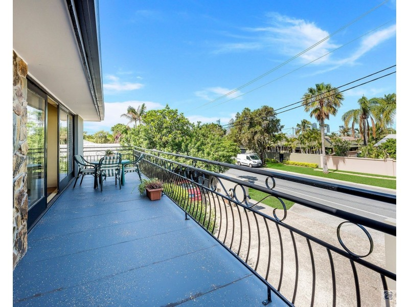 31 Pacific Boulevard, Broadbeach Waters QLD 4218