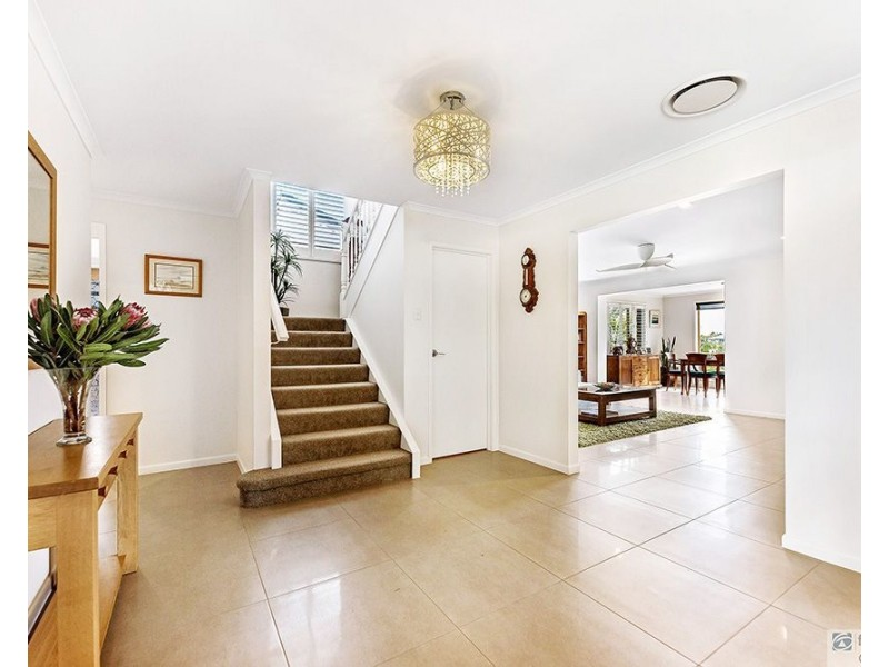 92 Waitomo Street, Broadbeach Waters QLD 4218