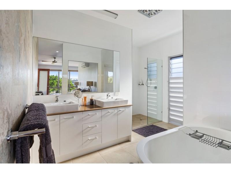 10 Beach Haven Place, Mount Coolum QLD 4573