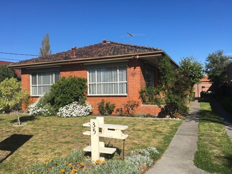 35 Curlew Avenue, Altona VIC 3018