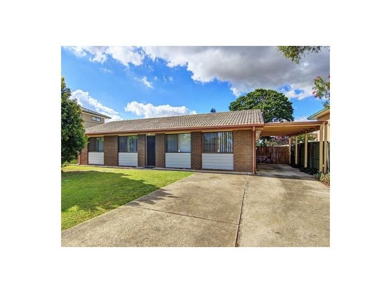 15 Whitcomb St, Hillcrest QLD 4118