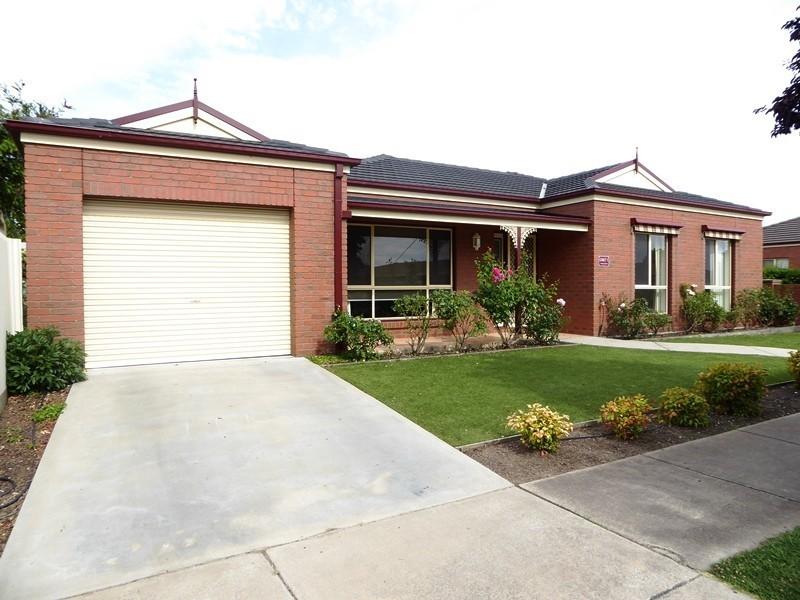 1/1 Burgess Street, Horsham VIC 3400