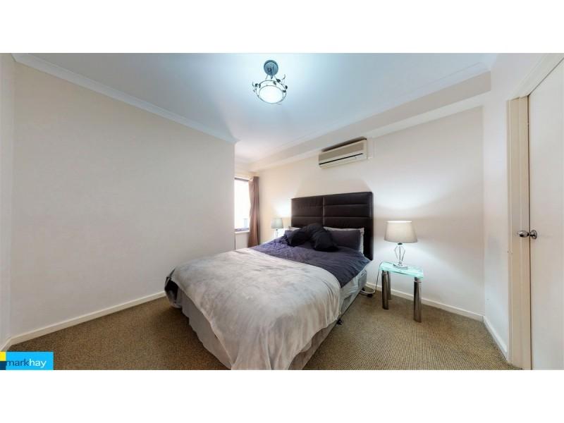 17/11 Regal Place, East Perth WA 6004