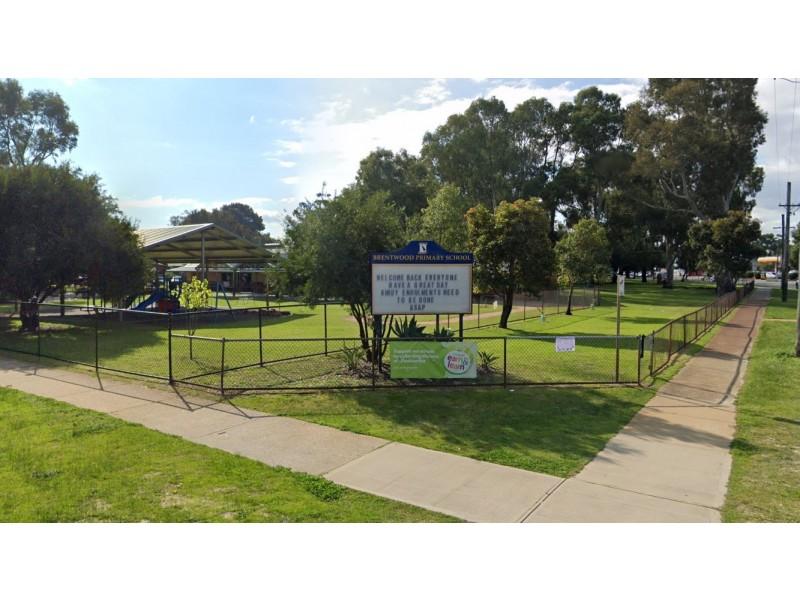 32 Parkside Avenue, Mount Pleasant WA 6153