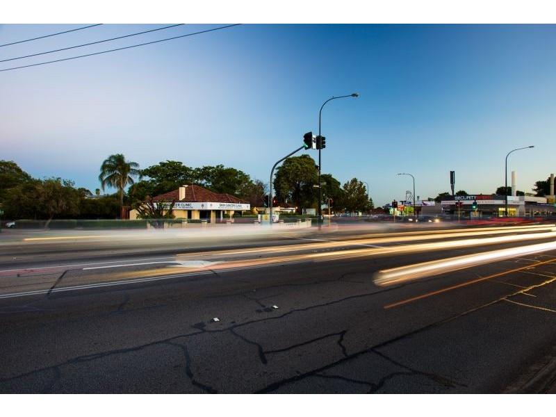 2 Barker Avenue, Como WA 6152
