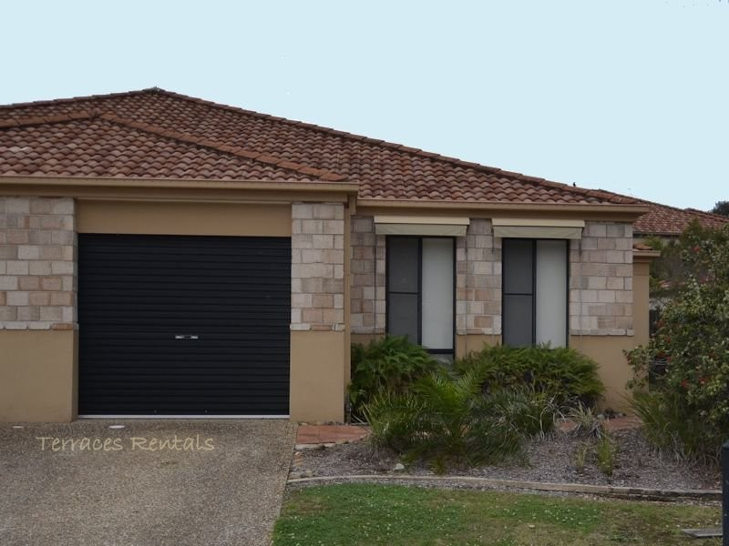 01/24 Amsonia Court,, Arundel QLD 4214