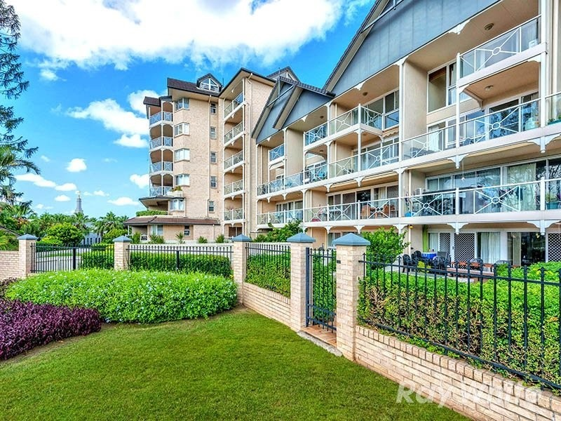 236 river terrace kangaroo point qld 4169 raas real for 20 river terrace rentals