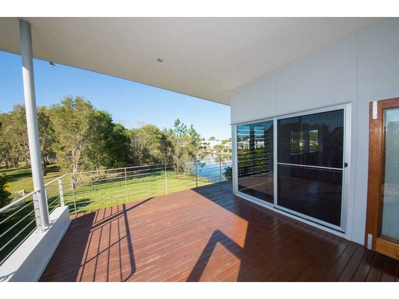 1 Tythereigh Lane, Pelican Waters QLD 4551