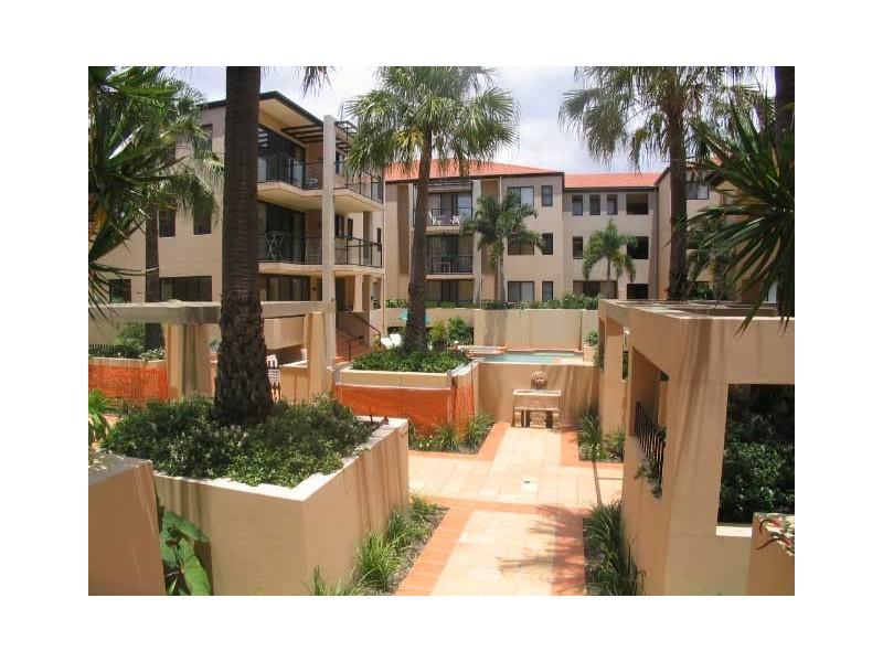 24 Slayter Avenue, Bundall QLD 4217