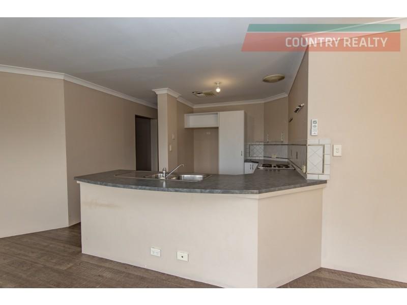 8 Freind Place, Northam WA 6401