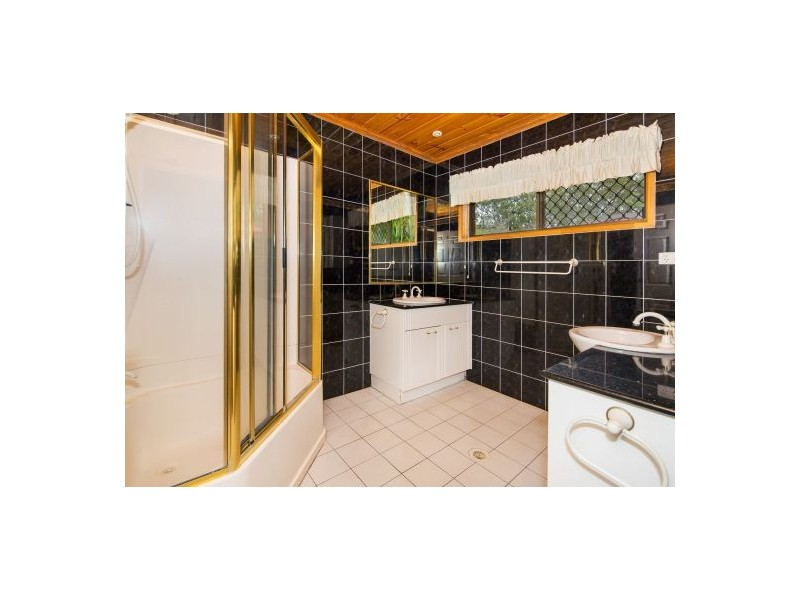 132 Alperton Road, Burbank QLD 4156
