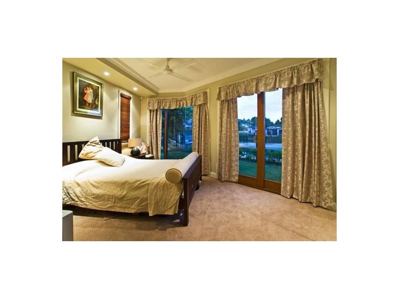 14 Monte Vista Court, Broadbeach Waters QLD 4218