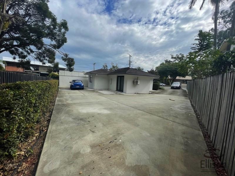 37 Vanessa Boulevard, Springwood QLD 4127