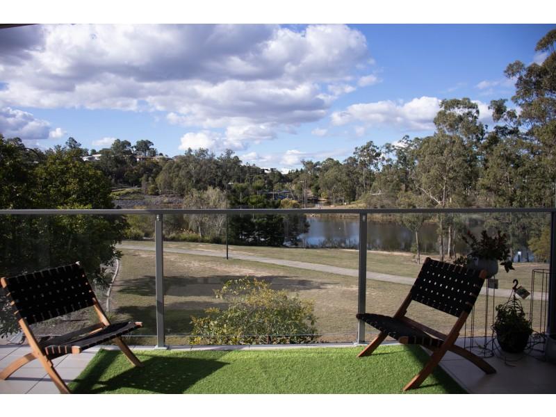 5/2 Lakes Entrance Drive, Springfield Lakes QLD 4300