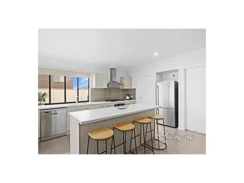 34 McGovern Street, Spring Farm NSW 2570