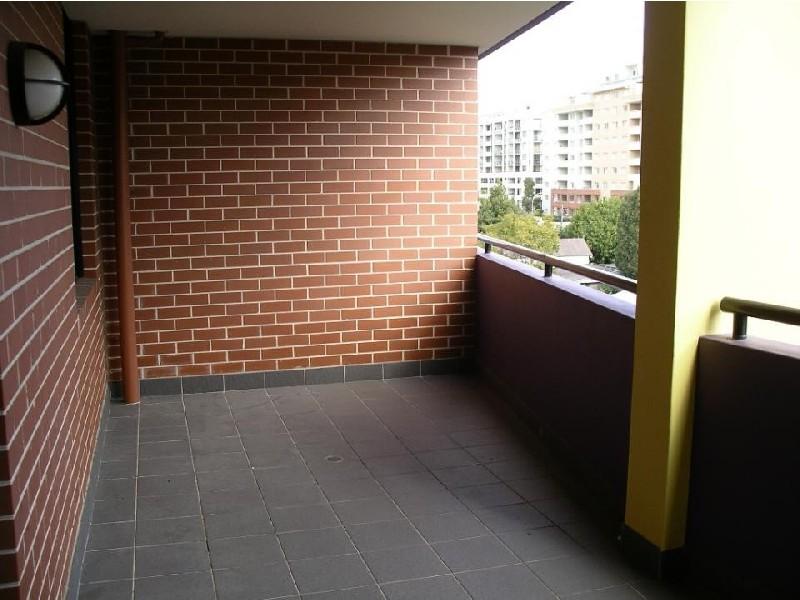 Waitara Ave, Waitara NSW 2077
