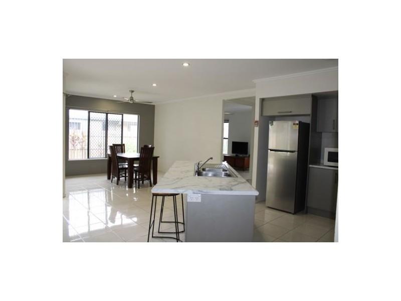 24 Lockyer Crescent, Bentley Park QLD 4869