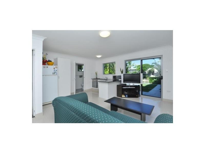 27 Sunshine Boulevard, Broadbeach Waters QLD 4218
