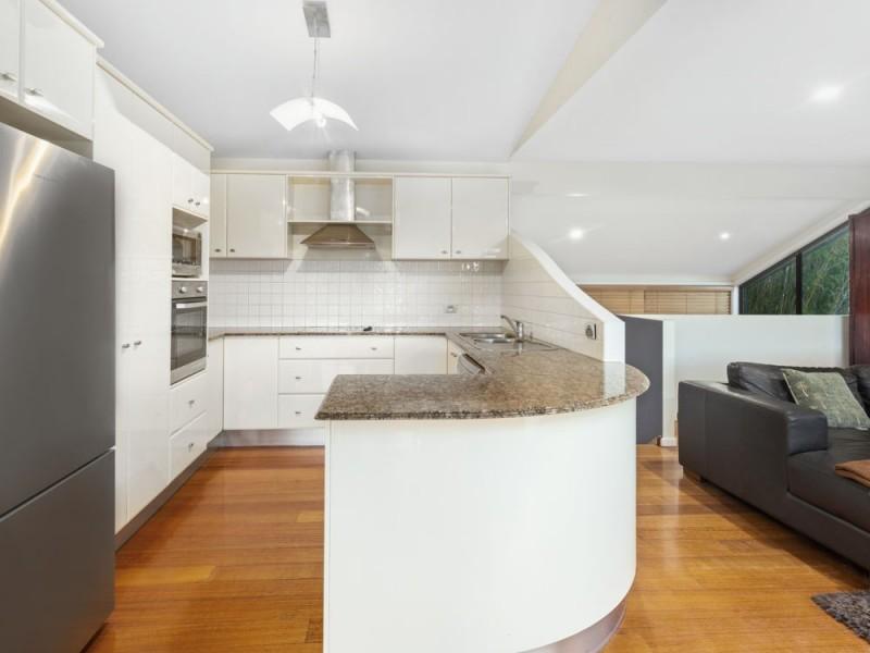 8 Kelburn Close, Banora Point NSW 2486
