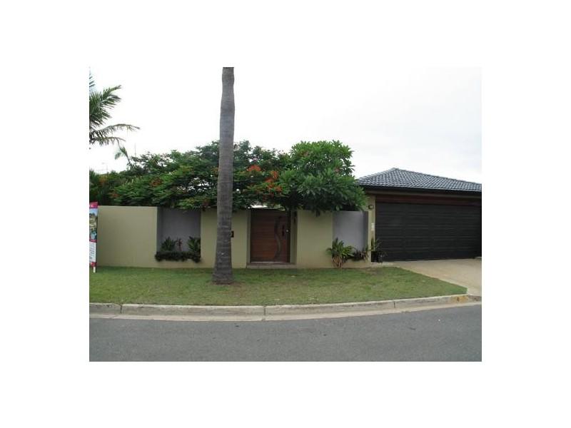 8 Huon Street, Broadbeach Waters QLD 4218