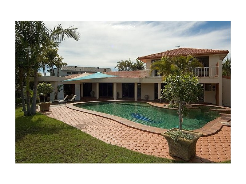 14 Cocos Court, Broadbeach Waters QLD 4218