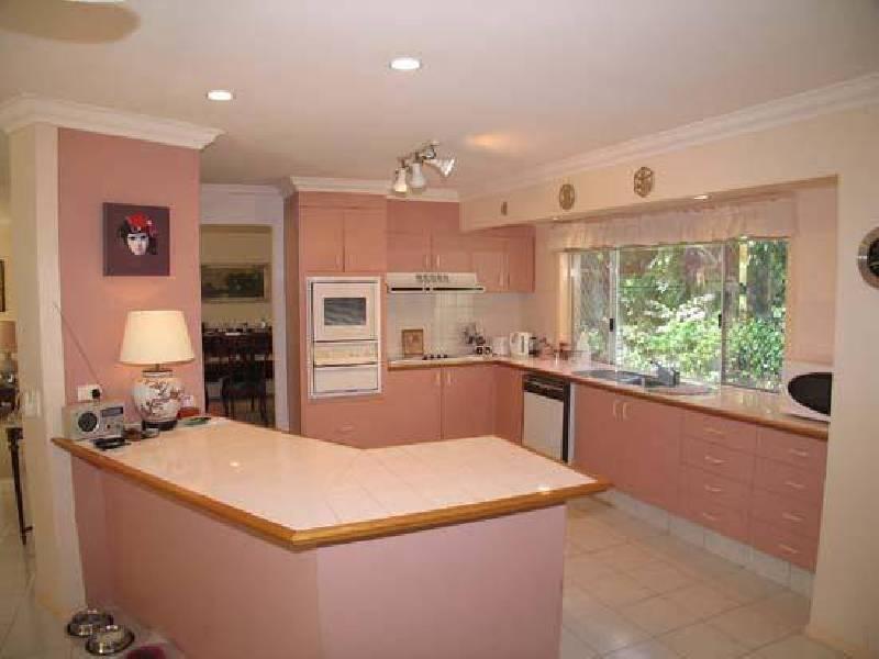742 Nerang Broadbeach Road, Broadbeach Waters QLD 4218