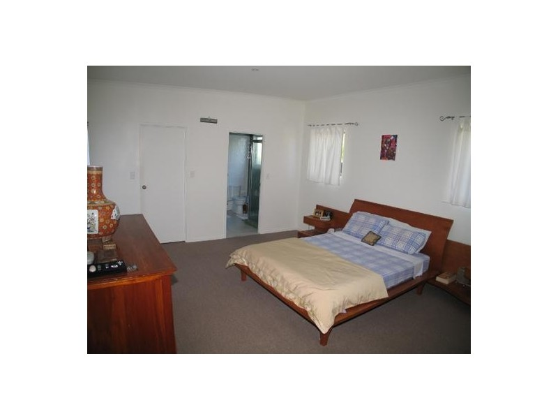 Boongala Road, Broadbeach Waters QLD 4218