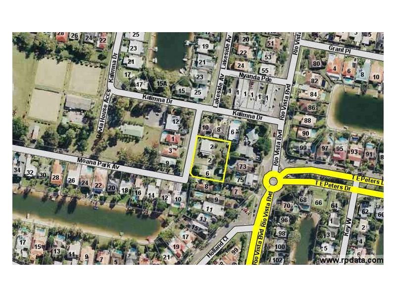 2-4-6 Moana Park Ave, Broadbeach Waters QLD 4218