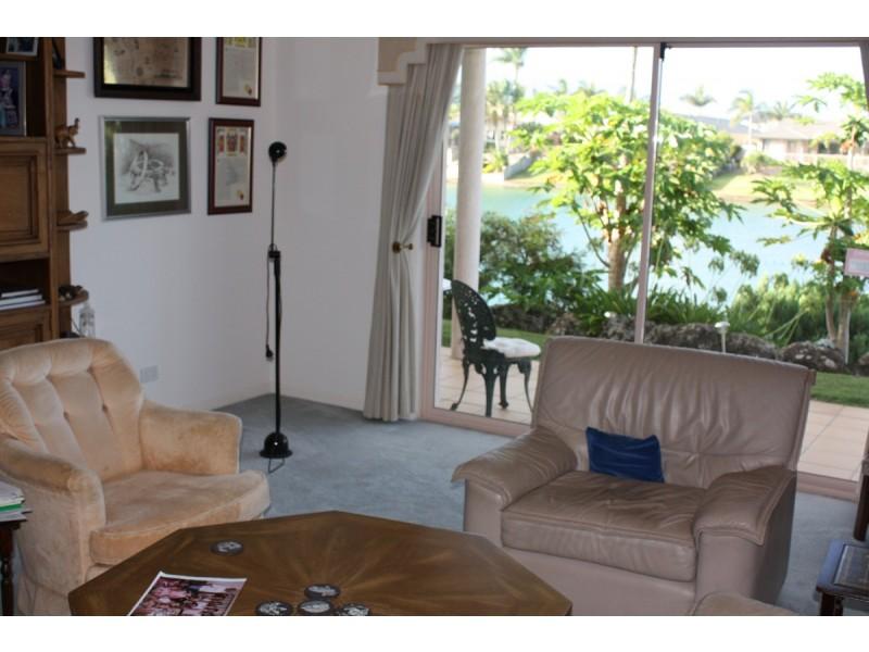98 Cypress Drive, Broadbeach Waters QLD 4218