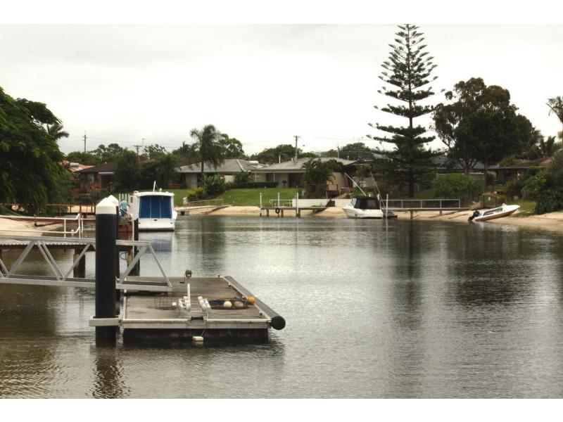 16 Bal Harbour, Broadbeach Waters QLD 4218