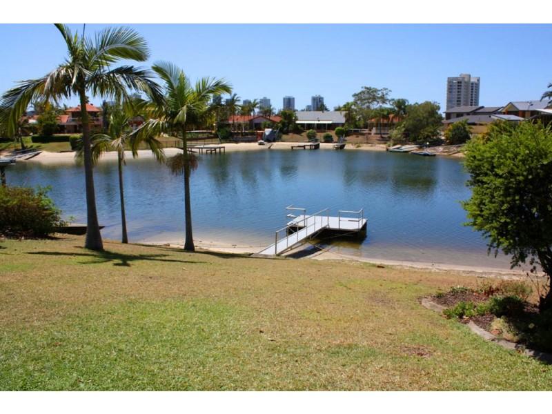 172 Rio Vista Blvd, Broadbeach Waters QLD 4218