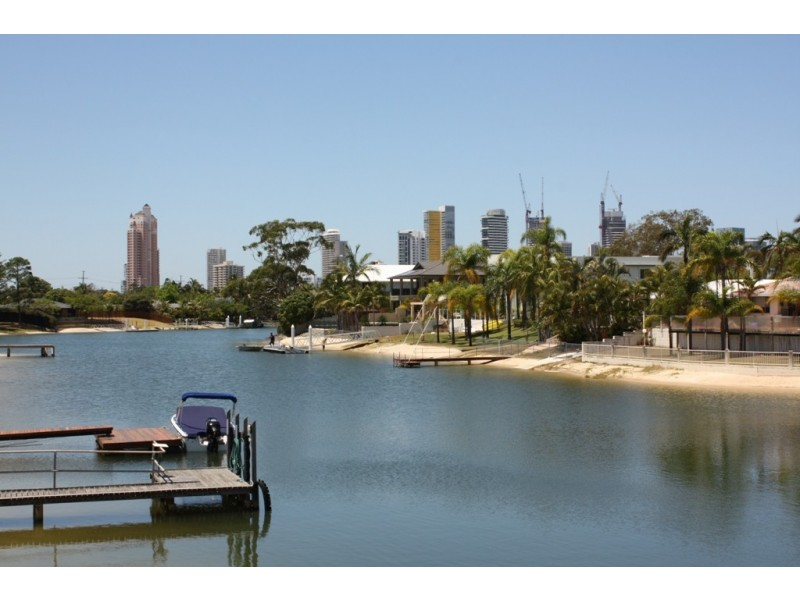 44 Rio Vista Blvd, Broadbeach Waters QLD 4218