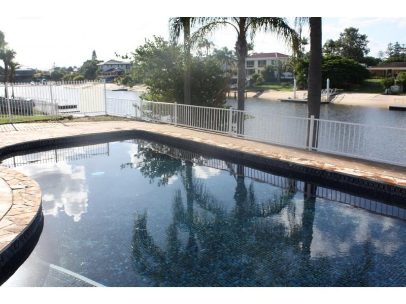 12 Rosemont Ave, Broadbeach Waters QLD 4218