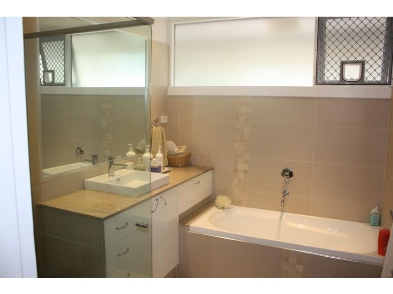 2 Cristobel Court, Broadbeach Waters QLD 4218