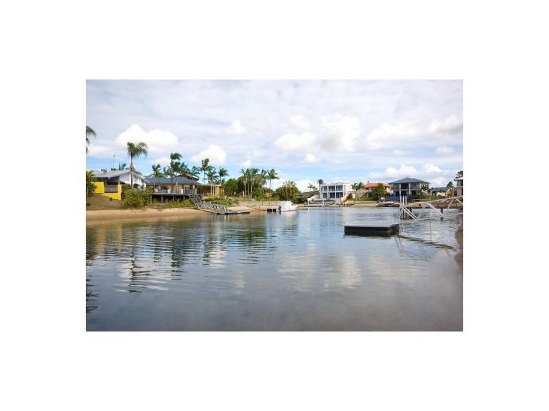 22 Merrimac Blvd, Broadbeach Waters QLD 4218