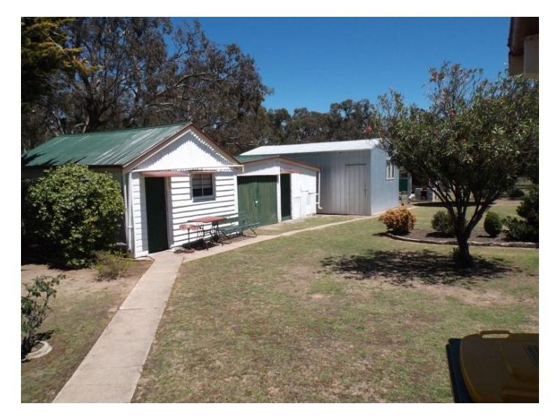 60 Callandoon Street, Wallangarra QLD 4383