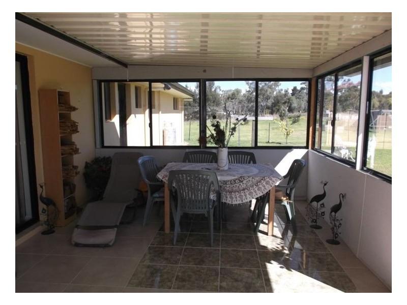 24 Bau Court, Applethorpe QLD 4378