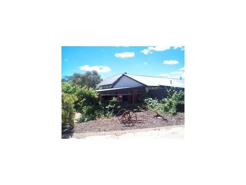 137 Fletcher Road, Ballandean QLD 4382