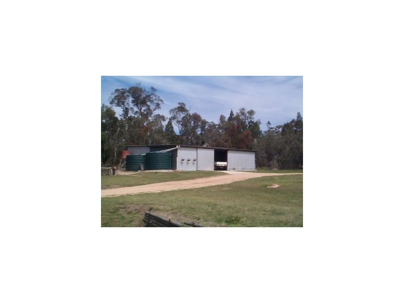 61 Rapisarda Lane, Ballandean QLD 4382