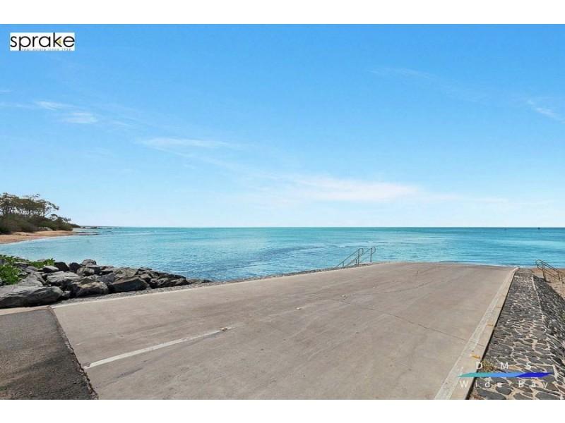 51 Esplanade, Point Vernon QLD 4655