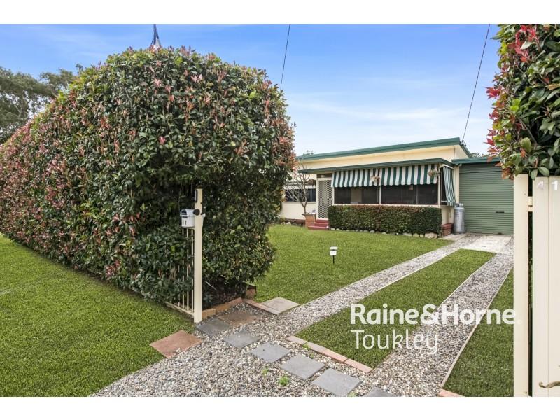 41 Tarwhine Avenue, Chain Valley Bay NSW 2259