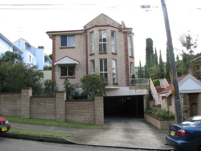 1/11 Walton Crescent, Abbotsford NSW 2046