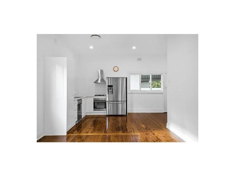 153 Gosford Road, Adamstown NSW 2289