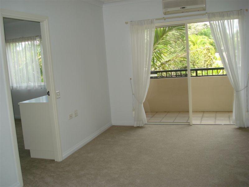 225/74 Wardoo Street, Ashmore QLD 4214