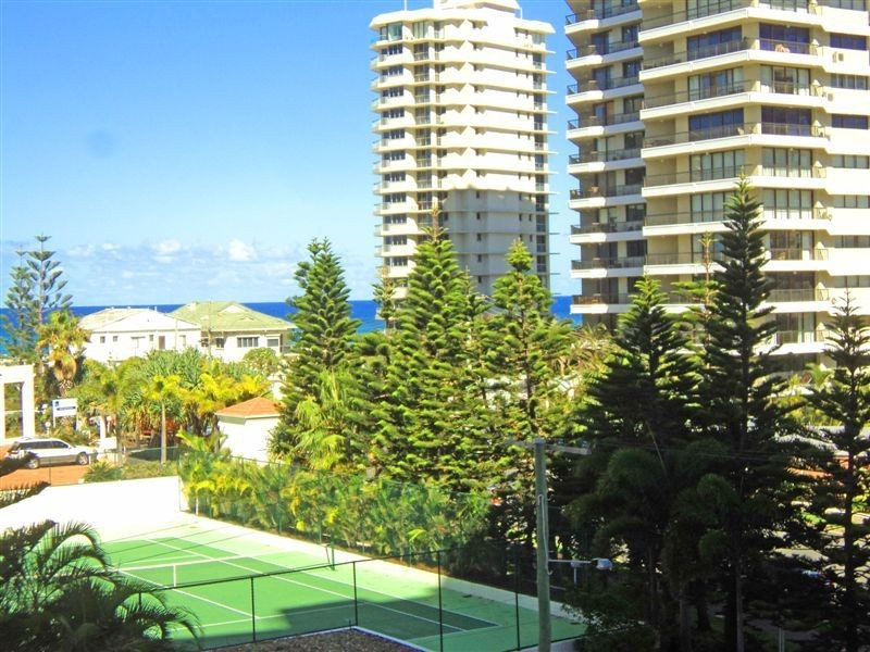 404/46 Pacific Street, Main Beach QLD 4217