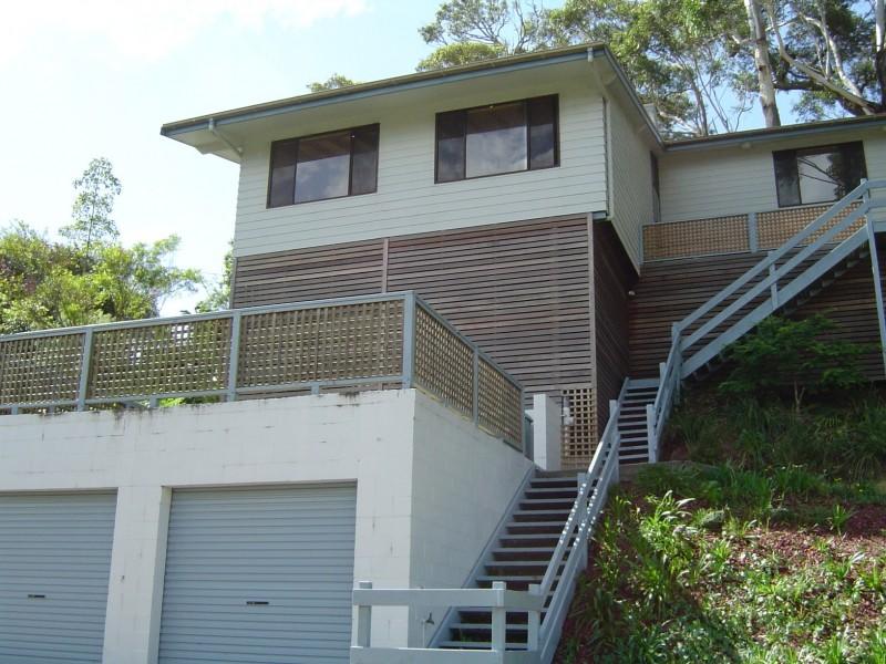35 Cabbage Tree Ave, Avoca Beach NSW 2251