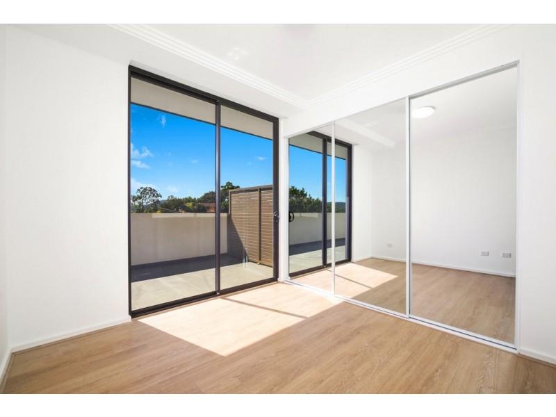 38/66-70 Hills Street, North Gosford NSW 2250