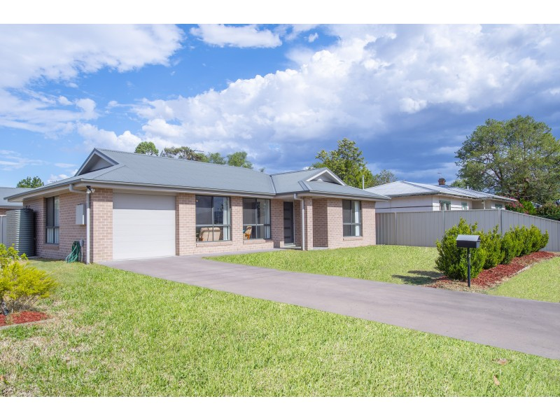 32 Hill Street, Scone NSW 2337