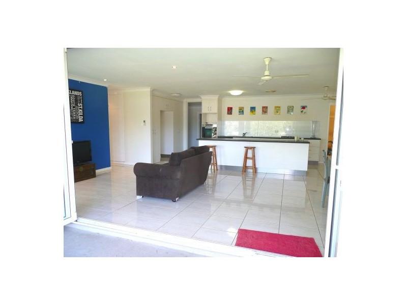 1 Duignan Street, Whitfield QLD 4870